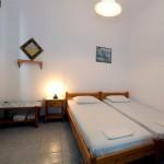room 10 / δωμάτιο 10