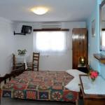 room 8 / δωμάτιο 8