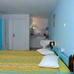 room 7 / δωμάτιο 7